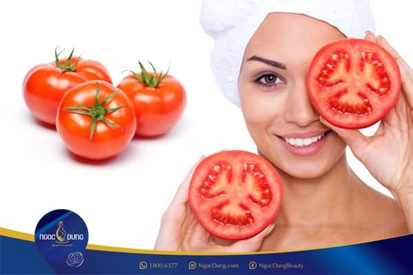 Trị thâm quầng mắt bằng cà chua