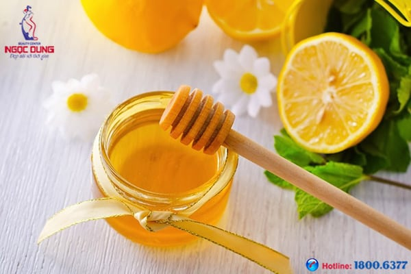 Trị thâm quầng mắt bằng mật ong và chanh