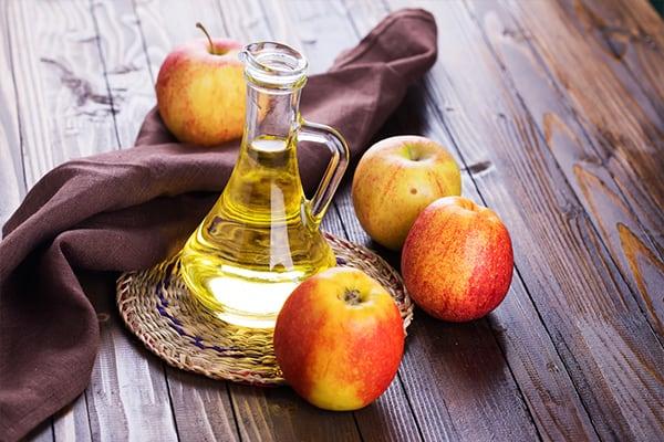 Sử dụng giấm táo để xóa mờ vết thâm