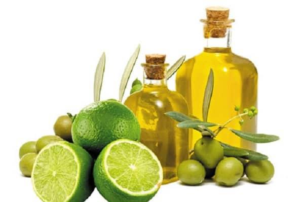 Trị thâm môi bằng dầu oliu và chanh