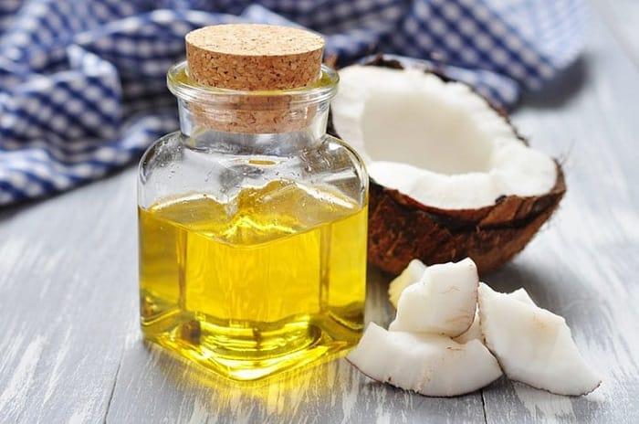 Trị thâm bằng dầu dừa