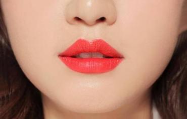 Phun xăm môi ở đâu đẹp và Lên Màu Tự Nhiên Nhất?