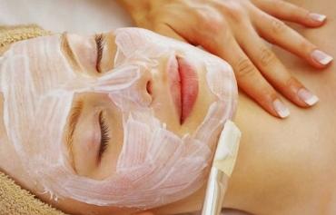 Lỗ chân lông to làm da bạn dễ bị mụn hơn