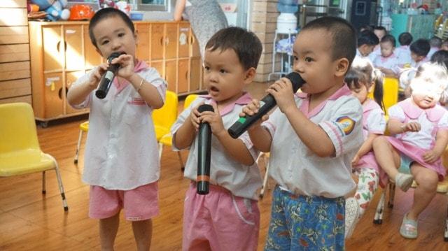 Tập hát cho trẻ