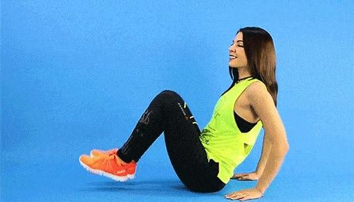 động tác seated leg raise