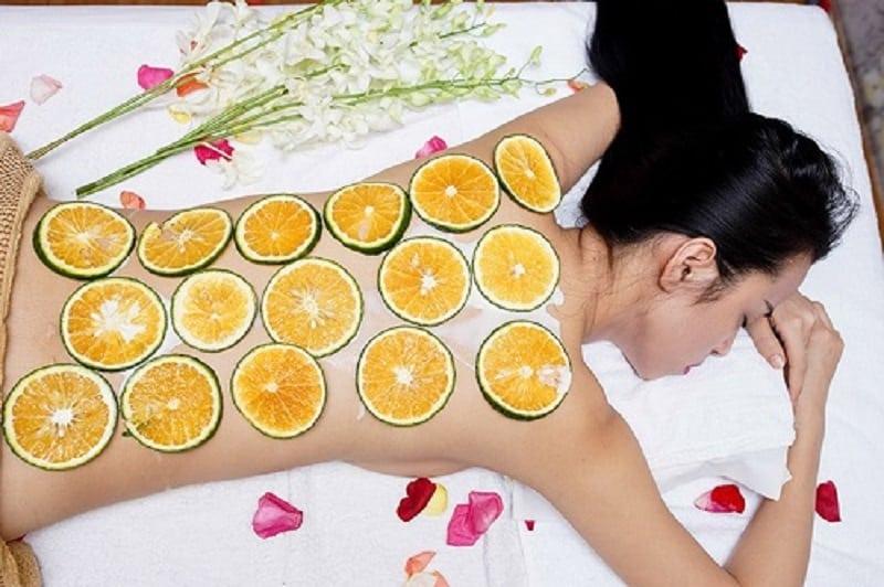 Tắm trắng bằng cam