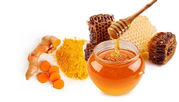 Trị sẹo rỗ bằng nghệ tươi và mật ong