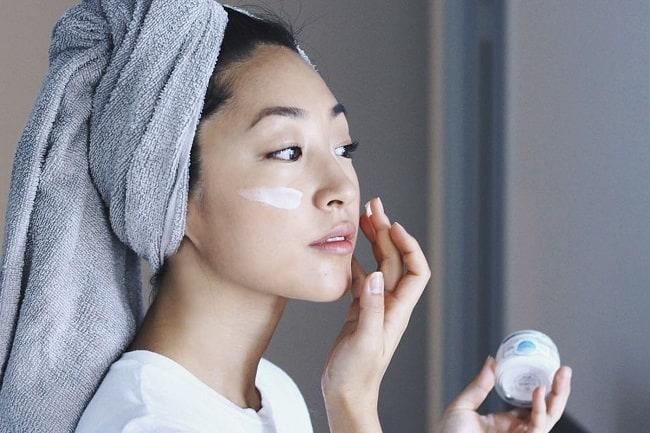 kem dưỡng ẩm không có tác dụng với da