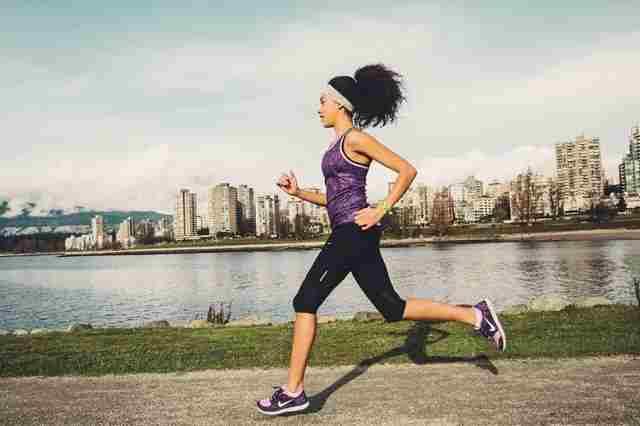chạy bộ giảm mỡ bắp chân